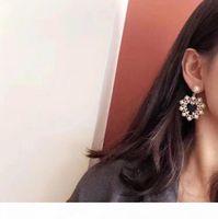 Luxus Schmuck Damen Ohrringe Xiangjia Designer Top Qualität High-End-Liebes-Ohrringe Temperament Lady Pearl Retro Elegante Ohr Schmuck 01
