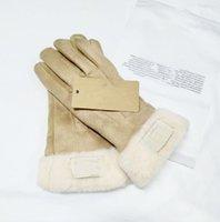 2021冬と秋のカシミヤミッテン手袋素敵な毛皮のボール屋外スポーツ暖かい冬手袋5621