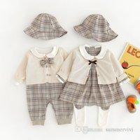 Bebek Çocuk Ekose Giyim Setleri Bebek Kız Kafes Pileli Elbise + Örme Hırka + Yama Tayt + Sunhat 4 adet 2021 Sonbahar Yenidoğan Erkek Kıyafetler Q0501