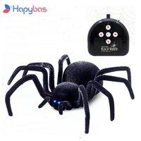 Elektronik Pet Uzaktan Kumanda Simülasyon Tarantula Gözler Parlatıcı Akıllı Siyah Örümcek 4CH Cadılar Bayramı RC Tricky Prank Korkunç Oyuncak Hediye 210607