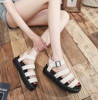 Summe r terlik kalın tabanlı sandalet üst deri Roma ayakkabı kadın hafif nefes rahat