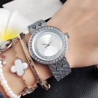 Marke Uhren Frauen Dame Mädchen Kristall Große Buchstaben Stil Metall Stahl Band Armbanduhr M85
