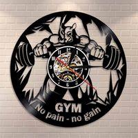Fitness Club Motivation The Beast Silent Wall Clock Horloge de gym Decor Décor Vinyle Enregistrement mural Horloge Bodybuilding Kettle Bell Retro Wall Montre 210310