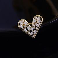 Japon ve Kore Tarzı Aşk Broş Moda Sevimli Anti Işık Düğmesi Kalp Tipi Pin Zirkon Broş Boyun Çizgisi Aksesuarları