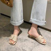 Manlegu Женщины тапочки 2020 летний квадратный носок на высоком каблуке женская кожаные сандалии Mujer высокое качество Flip Flop платье обувь скольжениями 97B3 #