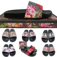Frauen Slipper Modedesigner Flachrutschen Flip Flops Luxurys Plattform Gummi Herren Hausschuhe Gestreifte Brokat Blumenstickerei Sandalen Outdoor Loafers Mit Box