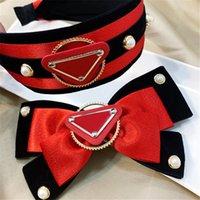 Lettera di lusso Stampato Faccordi Bow Pearl Hair Hoop Designer Triangle Velvet Torcini per capelli Clip per capelli Ragazza Capelli Band