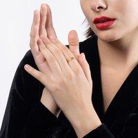 Enfashion Hollow Leaf Consing Золото Цвет Из Нержавеющей Стали Подарочные кольца Для Женщин 2021 Открытая Мода Ювелирные Изделия Anillos Рождество R204077