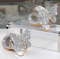 الأميرة الاطفال الأحذية الجلدية للفتيات بريق فراشة عقدة اللباس حزب الأطفال عالية الكعب csuals حذاء للأطفال الوردي الفضة Y200619