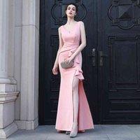 Платья вечеринки Youndzs розовые мягкие атласные V шеи щель выпускных женщин Maxi элегантный складки длинный вечер Еввк