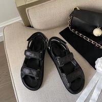 Women Leather Flat Heel Sandals Quilted Solid Color Fashion Designer Lady Strap Letter Hook Loop Rubber Sole Sandal