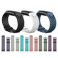 Watchband Soft Silicone Bands Soft Women Men Bracelet Sport Strap Hole For Fitbit Charge 5 Charge5 Watch Replacement Smart Accessories