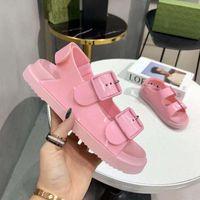 2021 Designer Damen Sandale mit Mini Strap Schnalle Gummi Sohle Barfuß Platform Sandalen Süßigkeiten Cartoons Folien Sommer Strand Freizeitschuhe Box F02