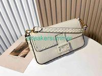 Fenda Mulheres Bolsas Bolsas Baguette Designer Underarm Luxurys Handbag Mão Costura Togo Linha de cera de óleo branco