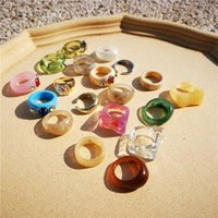 Anillos de boda Aomu 2021 Corea Moda Acrílico Color Color geométrico Round Daisy Flower Resin Set para mujeres Negoces Regalos de joyería