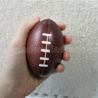 12 pcs 9cm Anti Stress Relief Futebol Esprema Americano Futebol Futebol Pu espuma esponja brinquedos para meninos crianças