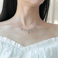 Kolye Gem's Bale Doğal Gökyüzü Mavi Topaz Taş Kolye Kadınlar Için 925 Ayar Gümüş El Yapımı Çiçek Tomurcuk Düğün Takı