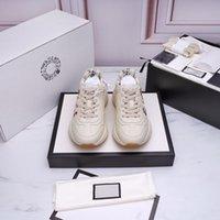 Gucci shoes 2021 أحدث حذاء رياضة جلد رجالي رجالي أحذية مع الفراولة الحقيبة النمر صافي الطباعة الفاخرة ريترو مدرب المرأة تصميم الأحذية SI