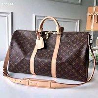 Designer borse borse borse da disegno 45 cm 55 cm di lusso di lusso grande capacità vendita vendita di alta qualità donne uomini in vera pelle borsa a spalla in pelle trasporto ribattini con serratura testa 46
