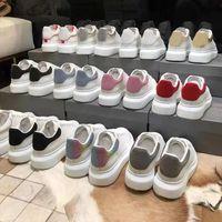 أعلى جودة الرجال النساء عارضة الأحذية أزياء سنيكرز أسود أبيض الجلود المدربين من منيد منصة رجل شقة 36-45