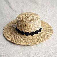 2021 New Sun Donne Wide Brim Paglia Boat Elegante Black Bianco Pizzo Piatto Beach Cappello Spiaggia da donna Cappellino da donna per vacanze Chiesa Derby GJTT