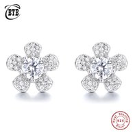 Stud Style 925 Sterling Silver Plum Blossom Women Diamond Earrings Luxury Created Moissanite Party Wedding Jewelry Gift Wholesale
