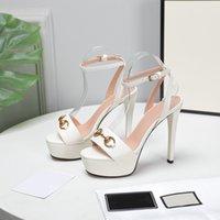 الصنادل الصيفية الأحذية النسائية سميكة أسفل الدانتيل يصل عالية الكعب الجلود الأزياء المعادن مشبك مصمم حذاء حفل زفاف المرأة