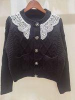 고품질 여자 스웨터 디자이너 긴 소매 새로운 패션 새로운 봄 레이스 목 뚫기 버튼 트위스트 뜨개질 카디건 여성 스웨터