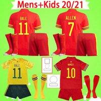 Adulto + Kid kit con calzini 2021 2022 Galles Soccer Jersey Mens Tuta 20 21 22 Camicia da calcio Bale James Boys Set Maillot de Foot Child Ramsey Home Rosso Away Yellow Camisetas