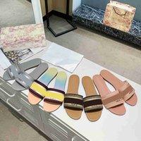 2021 desiner mujeres sandalias sandalias zapatillas bordado sandalia floral brocado flip chanclas a rayas playa cuero genuino zapatilla 35 colores con caja