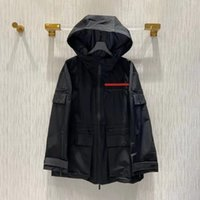 Chaqueta de mujer con capucha con carta de budge cremallera primavera verano protección solar abrigo Outwears Sport Jackets Waterbreaker 3 Opciones para Lady Slim Think Coats