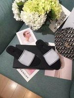 Kadın Tasarımcı Yaz Örme Düz Ayakkabı Eğrisi Sandalet Genişletilmiş Badem Toe Katır Moda Klasik 2021 Tasarımcı Kadın Ayakkabıları Yüksek Topuklu
