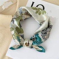 Sciarpe Design Stampa piccola sciarpa per signora 100% Pure Seta Hairband Neck Neck Tie Donne Foulard Bandana Primavera Summer Kerchief
