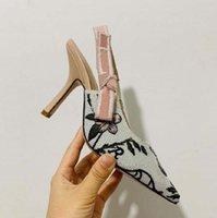 2021 새로운 패션 럭셔리 여성 하이힐 럭셔리 고양이 발 뒤꿈치 편안한 편지 여성의 공식 신발 M62727