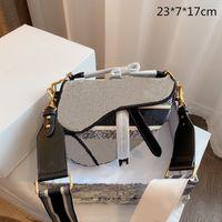 2021 Mujeres Classic Bordados Totes Luxury Lady Saddles Jacquard Bolsos Bolsos Monederos Bolsos Crossbody Bolsas Bolsas de Hombro D21022401