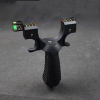 Black Abs Slingshot Caccia Catapult Catapult Airury Resina Sling Shot con livello misuratore Lampada Punti di mira Punti di gomma piatta Capitali internazionali 235 x2