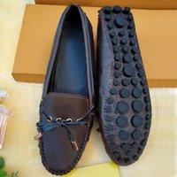 2021 Yaz Plaj Yay Kadın Ayakkabı Moda 100% Deri Düz Kemer Toka Rahat Sandalet Lady Metal Inek Derisi Mektup Çalışma Elbise Ayakkabı Kahverengi Büyük Boy 35-41-42 US4-US10-US11