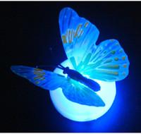 LED borboleta adesivos noite luz decoração de casa adesivos coloridos luminous borboleta decoração parede estilo misturado enviar eeb5616