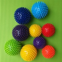 Spiky Point Massage Ball Tchrouger Reflexology Tools Stress pour Palm Foot Bras Massager de corps pour hommes Femmes Femmes Fitness Ball 105 x2