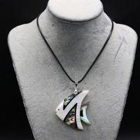Anhänger Halsketten Natürliche Muschel Nette Fisch Halskette Modeschmuck Mutter von Perlenleder Seil Für Frauen Männer Geschenk