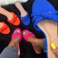 Vente chaude-usine sandales directes femme nouvelle femme appartement avec pantoufles chaussures de plage Cross confortable Sauvages Fashion Santoirs