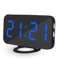 Canción de julio Espejo de alarma Digital LED USB Teléfono Carga electrónica Mesa de reloj Snooze Auto Ajustable Relojes de luz