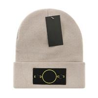 2021s дешевые вязаные шляпы для мужчин спорт с шапочкой с шапочкой для женщин капота шерсть вязаная вязаная шляпа Горро Черепости Теплые Рейнджеры Зимняя шапка POM-POM Beaнки
