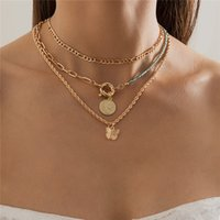 Yamog Round Coin Butterfly Pendant Necklaces Women Crystal Alloy Portrait Twist Thick Clavicle Chain European Multi Layer Hip Hop Neck Jewelry Accessories Gold