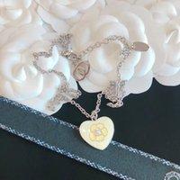 Luxurys designers diamant halsband mode hjärta hängsmycke enkelt känslig elegant hög kvalitet lämplig för fester gåvor mycket vacker bra trevligt