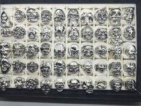 Sport Top Vintage Gothic Punk Sortierte Schädelstil Biker Silber Schmuck Ring (Größe 8 bis 12)