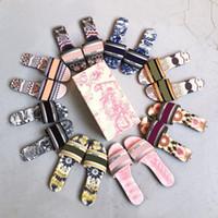 NOUVEAUX FEMMES Pantoufles Broderie Sandale Floral Brocart Mode Flip Flops Rayé Plage Véritable Cuir Dazzle Fleurs Sliant 35Couleur avec boîte