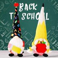 Temporada de graduación Muñeca sin rostro con lápiz de manzana para suministros de fiesta de estudiante Bunny Dwarf Decoración de juguetes de peluche Decoraciones para el hogar Niños