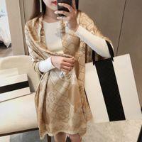 Dimensione 90-180 cm Sciarpe di marca Donna Senior Lungo singolo strato Chiffon Scialli di seta Scialli di seta Turismo di moda Soft Designer Sciarpa di stampa regalo di lusso