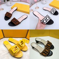 Женщины любви сандалии мода женская платформа Gingham тапочки коричневые фиолетовые черные розовые девушки пляжные слайды